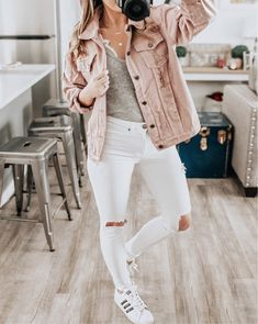 soft pink distressed denim jacket is perfect for Spring style. pair it with adidas + white denim for a full casual look Pink Denim Jacket, Denim Jacket Fashion, Denim Shirt With Jeans, Denim Shirts, Adidas Jacket Outfit, Jean Jacket Outfits, Look Rose, Outfit Invierno, Neutral Outfit