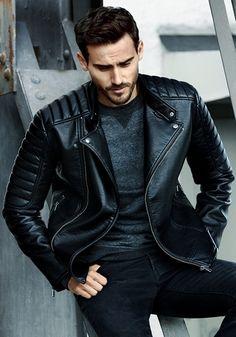 homme habillé en veste en jean homme et blouson aviateur noir