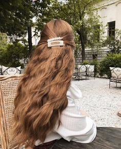 My hair advice✨ Usually I buy two bottles of shampoo from different brands and alternate them with each other. If I wash my hair with one… Hair Inspo, Hair Inspiration, Aesthetic Hair, Grunge Hair, Hair Day, Gorgeous Hair, Pretty Hairstyles, Hair Looks, Her Hair