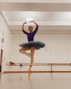 Ballet Gif, Ballet Dance Videos, Dance Tips, Dance Choreography Videos, Dance Poses, Ballet Dancers, Ballet Feet, Ballerinas, Ballerina Dancing