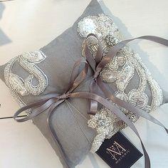 グレービジュー刺繍リングピロー