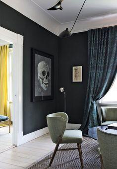 Scandinavian Apartment with Brilliant Style and Decor (design attractor) Georgian Interiors, Decor, Dark Interiors, Interior Design, Front Room, Home, Interior, Studio Green, Home Decor
