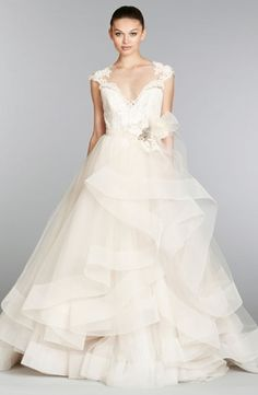 Sweetheart Princess/Ball Gown Wedding Dress  with Natural Waist in Tulle. Bridal Gown Style Number:33096264