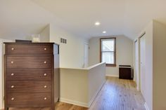 Recently sold: . Classic SLP Bronx Park 1.5 story. Move-in ready w/ updates throughout! Remodeled ktchn w'new ss appls, new flring up & lower, spacious master bd, new LL 3/4 ba, new lndscping. Has cent a/c, 2 fireplcs, 3-season prch, 2+ garage, fenced yard & newer roof.