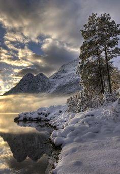 Paisaje de invierno en Noruega.