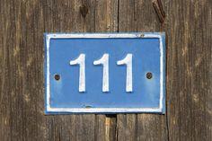 Vidíte pořád opakující se stejná čísla? Vesmír se vás snaží na něco upozornit!   Horoskopy.blesk.cz Tarot, Spirituality, Signs, Shop Signs, Spiritual, Sign, Tarot Cards