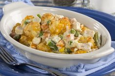 Kids won't eat their veggies? Well, our recipe for Country-Style Potato Tot Casserole is going to change all that! Full of creamy, down-home goodness, this tasty casserole has a Mom's Country-Kitchen taste that no one can resist! Turkey Recipes, Chicken Recipes, Chicken Meals, Cheesy Chicken, Potato Recipes, Potato Tots, Tater Tots, One Pot Meals, Easy Meals