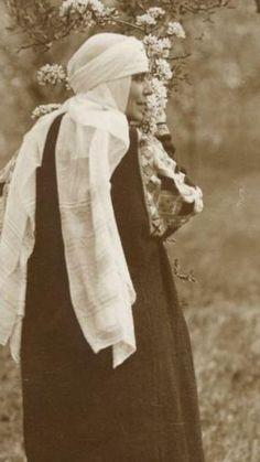 Folk Costume, Costumes, Descendants, Vintage Photographs, Romania, Edinburgh, Royalty, Queen, Home