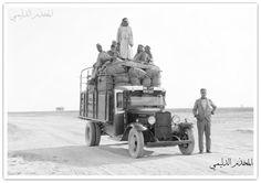 من تراث العراق .. صورة تراثية بدقة عالية وحجم كبير توثق تاريخ النقل البري بين الوية العراق ويظهرطريق الموصل وناقلة للمسافرين في الطريق البري سنة 1930 . All sizes Iraq. Mosul. Bedford Lorry on way to Mosul - circa early 1930's