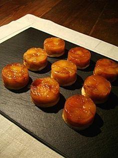 Mini tatins aux pommes.un peu simplifié, fait avec des moules demi sphère, super!