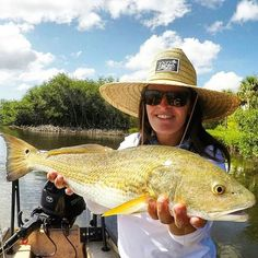 Now that's a niice Red DRum caught by our friend Ashley in her favorite Straw Hat by Red Rum International. Find this awesome straw hat and more tropical clothing at redrumintl.com   Use coupon code: insta_15 for 15% discount   #redrumintl #redrum #reddrum #redfish #diving #fishing #surfing #paddleboarding #kiteboarding #wakeboarding #scuba #freedive #spearfishing #tropical #lifestyle #lapuravida #florida #girlsthatfish #girlswhofish #strawhat #tropicalclothing