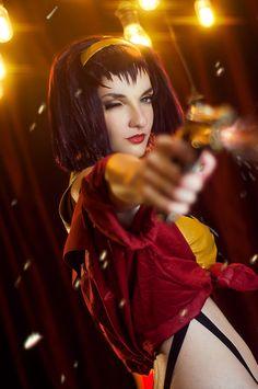 Character: Faye Valentine / From: Sunrise's 'Cowboy Bebop' Anime Series / Cosplayer: Mary Shvetsova (aka Shade Cramer) / Photo: PhotoА́nimA