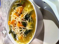 Tuscan Bean Soup with Squash and Kale Tuscan Bean Soup, White Bean Soup, White Beans, Healthy Dinners, Healthy Recipes, Healthy Munchies, Organic Recipes, Ethnic Recipes, August 5th