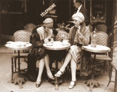 french cafe women
