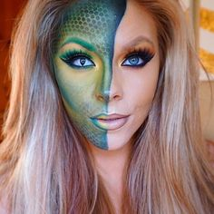 snakeskin ☺️ Products I used for snake mask: Used eyeshadow in sub yellow & loose pigment in gold For the green I used flash Color palette in Leaf green. Then used fish net to create snake skin effect with black shadow. Medusa Makeup, Mermaid Makeup, Makeup Art, Fish Makeup, Alien Makeup, Sfx Makeup, Medusa Halloween, Halloween Looks, Halloween Face Makeup