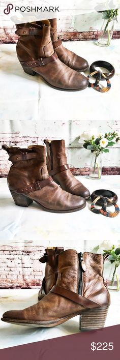 """RAG AND BONE Cognac Booties, Size 39/8.5 RAG AND BONE Cognac Booties, Size 39/8.5 Gorgeous soft leather. 2"""" heel (size 38.5). * 7"""" boot shaft. * Side zip closure. * Leather upper, lining and sole. This boot runs small.  Best fit would be a size  8 or 8.5 NARROW.  would love to find these in a 9 rag & bone Shoes Ankle Boots & Booties"""