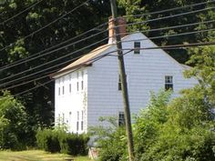 """Ephraim Smith-Tomlinson House (c. 1757), Seymour, Connecticut. Destroyed by Tony Mavuli in May 2011. Replaced by """"Tavern 1757"""" restaurant. #oldhouse #historichome #preservation"""