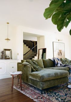Home Interior Design 46 Rustic Bohemian Sofa Living Room Design Ideas For You Decoration Bedroom, Home Decor Bedroom, Home Decoration, Bedroom Modern, Bedroom With Couch, Black Bedrooms, Bedroom Country, Cozy Bedroom, Living Room Green