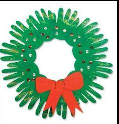 Couronne de Noël mains