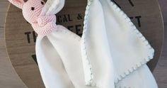 Heerlijk dit mooie weer!  Eindelijk genieten van lente-weer en ondanks dat ik de winter best kan waarderen hoop ik toch echt dat dit heerlij... Fall Knitting, Knitting Socks, Lots Of Socks, Baby Vans, Aran Weight Yarn, How To Start Knitting, Garter Stitch, Baby Sewing, Baby Shower Gifts