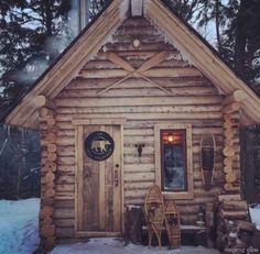 124 Small Log Cabin Homes Ideas Small Log Cabin, Log Cabin Kits, Tiny Cabins, Little Cabin, Log Cabin Homes, Cabins And Cottages, Cozy Cabin, Log Cabins, Ideas De Cabina