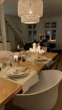 Dream Home Design, Home Interior Design, Interior Decorating, House Design, Dream Apartment, Apartment Interior, Dining Room, Dining Table, Küchen Design