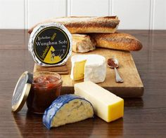 Farmhouse Cheese Christmas Pack extraordinary cheese, impressive gift!! Delicious!