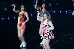 © twice┆ 𝐩𝐢𝐧𝐭𝐞𝐫𝐞𝐬𝐭 : 𝐝𝐚𝐝𝐝𝐲𝐜𝐡𝐚𝐧 ♡ South Korean Girls, Korean Girl Groups, I Fancy You, Hirai Momo, One In A Million, Nayeon, Pretty People, Seoul, Beautiful
