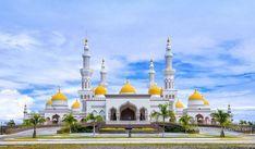 Grand Mosque of Cotabato, Barangay Kalangan in Cotabato City, Mindanao, Philippines Mosque Architecture, Art And Architecture, Mindanao, Beautiful Mosques, World's Most Beautiful, Beautiful Moon, Beautiful Places, Grand Mosque, Place Of Worship
