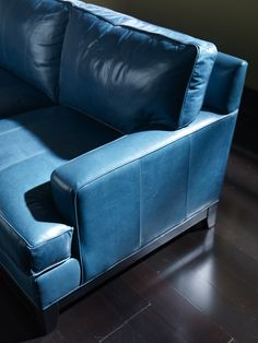 Ethan Allenu0027s take on blue decor. I would love a blue couch. : blue leather sectional - Sectionals, Sofas & Couches
