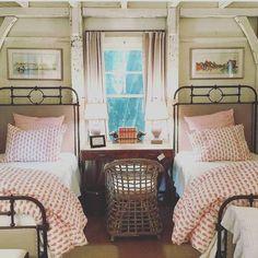 52 Comfy Attic Bedroom Design And Decoration Ideas - Home Design Home Design, Interior Design, Design Ideas, Stylish Interior, Attic Design, Interior Ideas, Design Design, Creative Design, Attic Bedrooms