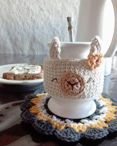 Love Crochet, Crochet For Kids, Beautiful Crochet, Crochet Toys, Knit Crochet, Crochet Coffee Cozy, Mug Cozy, Chrochet, Crochet Accessories