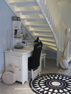 eteinen,maalaisromanttinen,maalaisromanttinen sisustus 49er, Country Style, Sweet Home, Shabby Chic, Stairs, Industrial, Black And White, Interior Design, Diy