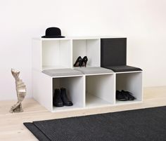 The GRID wardrobe is multi-purpose furniture creating well-defined structures in the room and combining storage and room for display. Tailor your wardrobe..
