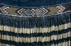This image is of a piupiu(traditional Maori type of clothing) with a taniko(a form of weaving). Flax Weaving, Tapestry Weaving, Basket Weaving, Maori Patterns, Maori Designs, Maori Art, Kiwiana, Tribal Dress, Wedding Costumes