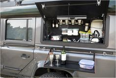 This is what I call class... - De wereld rond met de Land Rover Defender Icarus - Manify.nl