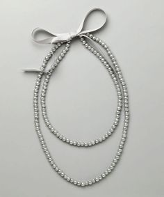 Gray Holly Pearl Necklace//