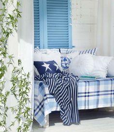 Maritimt møter gresk? Koselig hvertfall :) Love Blue, Blue And White, White Home Decor, White Houses, Coastal Homes, Indoor, Blanket, Bed, Interior