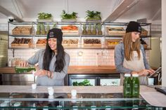 The Good Press is quickly garnering a following in Yorkville for its fresh-pressed juices and smoothies. How else are you going to fit into all those pos..