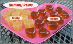 Gummy Paws #dogs #dogfood #dogtreats #homemade #dogrecipes #recipes