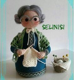 Free crochet patterns and video tutorials: Beautiful crochet amigurumi grandmothers ideas Crochet Wedding Dress Pattern, Crochet Tunic Pattern, Crochet Dolls Free Patterns, Crochet Blanket Patterns, Crochet Stitches, Tatting Patterns, Free Crochet Bag, Crochet Gifts, Crochet Toys