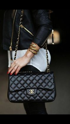 I want this bag Trend Fashion, Fashion Bags, Womens Fashion, Chanel Fashion, e780bcaf9429