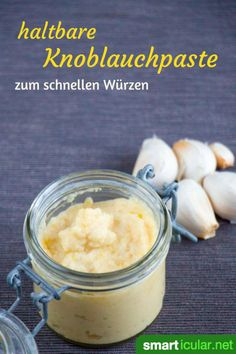 Haltbare Knoblauchpaste kannst du sehr leicht selber machen. Sie ist schnell zur Hand und spart beim Kochen das Schälen, Pressen oder Schneiden. Susan Recipe, Easy Cooking, Healthy Cooking, Spices, Pesto Aioli, Pesto Dip, Dips, Garlic Paste, Food Club