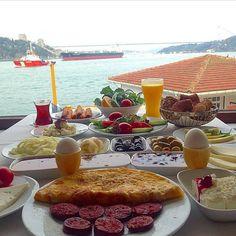 Serpme Kahvaltı - Kandilli Balıkçı Suna'nın Yeri / İstanbul ( Üsküdar ) Telefon : 0 216 332 32 41 Fiyat : 27,50 TL / Kişi Başı Fotoğraftaki görsel 2 kişiliktir.