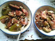 Doris macht mit diesem himmlischen Dessert aus marinierten Feigen und Walnussstückchen ihrem Blogtitel alle Ehre!