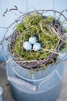 A DIY for Easter or bird's nest homemade Diy Ostern, Nature Activities, Unusual Art, Decoration Table, Spring Colors, Flower Making, Happy Easter, Spring Time, Diy And Crafts