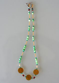 green and yellow beaded necklace Jewerly, Beaded Necklace, Jewelry Design, Jewelry Making, Yellow, Green, Fashion, Beaded Collar, Moda
