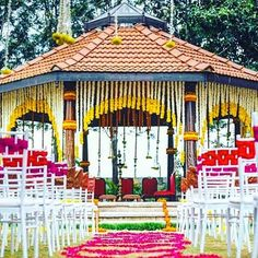We're clearly tripping on gorgeous South Indian weddings this week!! Today, this…