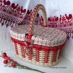 Плетёнки. Изделия из бумажной лозы. Wedding Gift Baskets, Newspaper Art, Flower Basket, Easter Baskets, Wicker Baskets, Weaving, Gifts, Craft, Crochet