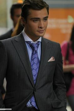 Image uploaded by Find images and videos about boy, gossip girl and gg on We Heart It - the app to get lost in what you love. Mode Gossip Girl, Gossip Girl Chuck, Gossip Girl Fashion, Gossip Girls, Chuck Bass Style, I'm Chuck Bass, Austin Butler, Taylor Momsen, Chace Crawford